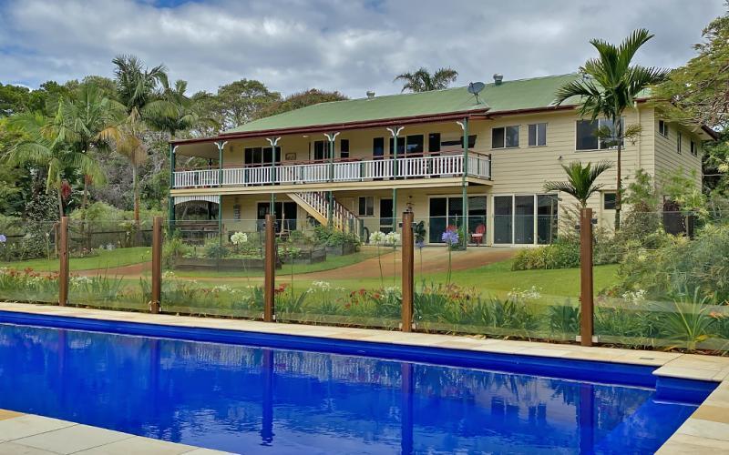Alla Mare Holiday House, North Stradbroke Island - Straddie Sales & Rentals