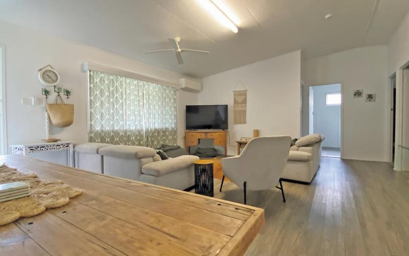 A Little Grey Shack Holiday House, North Stradbroke Island - Straddie Sales & Rentals