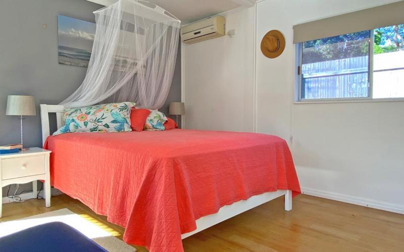 A Water Baby Holiday House, North Stradbroke Island - Straddie Sales & Rentals