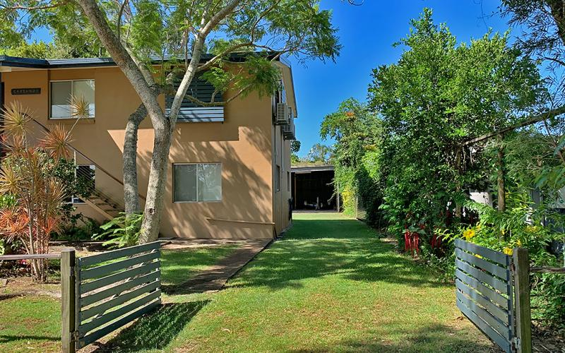 About to Castaway Holiday House, North Stradbroke Island - Straddie Sales & Rentals