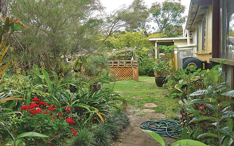 Anchorage Holiday House - Gardens