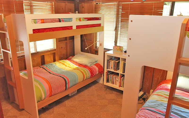 Assidere Beach House - Double bunk bedroom