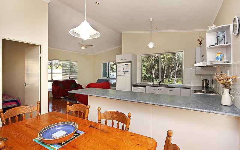 Alegana Holiday House, North Stradbroke Island - Straddie Sales & Rentals