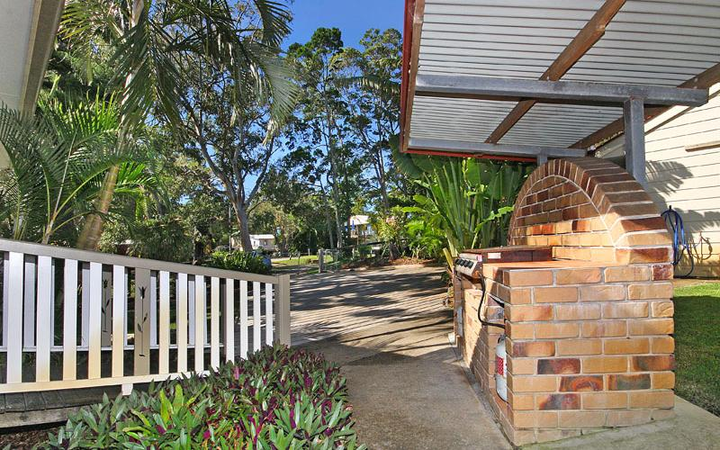 Amity Palms Holiday House on North Stradbroke Island - Straddie Sales & Rentals