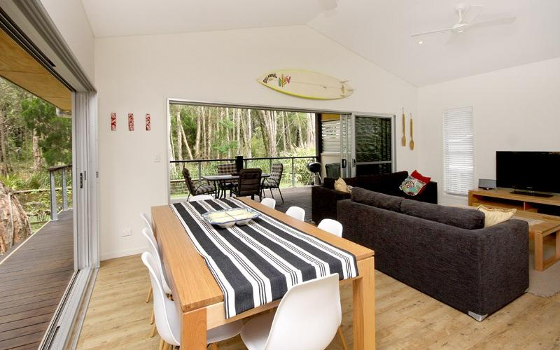 Amiri Holiday House - Open plan living area