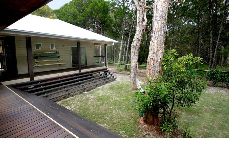 Amiri Holiday House - Back yard