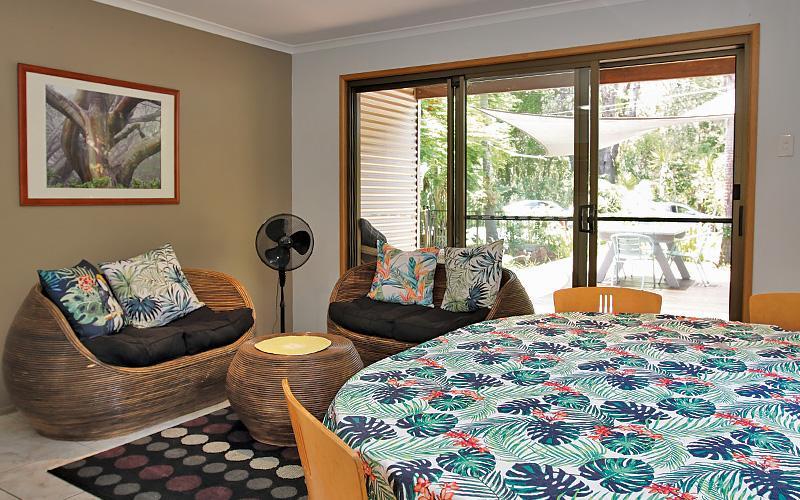 Amity Beach Bums Holiday House, North Stradbroke Island - Straddie Sales & Rentals