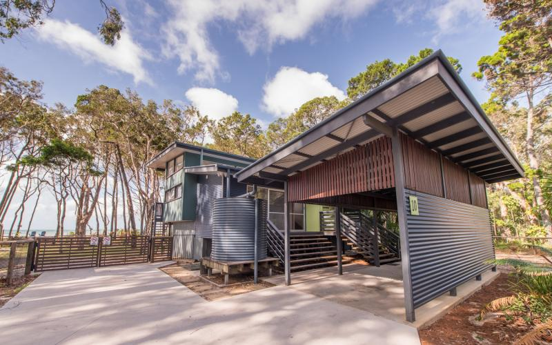 Amity Sands Holiday House on North Stradbroke Island - Straddie Sales Rentals
