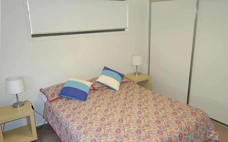 Amity Treetops Holiday House - Queen bedroom