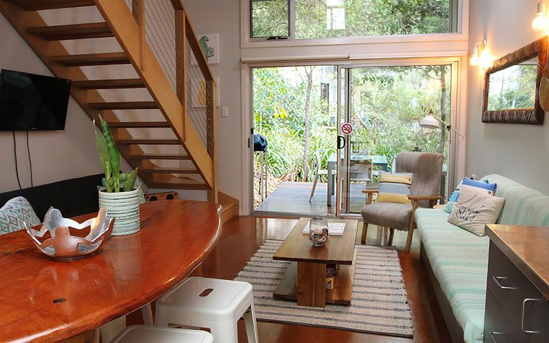 Aurora Holiday Villa - Point Lookout, North Stradbroke Island - Straddie Sales & Rentals